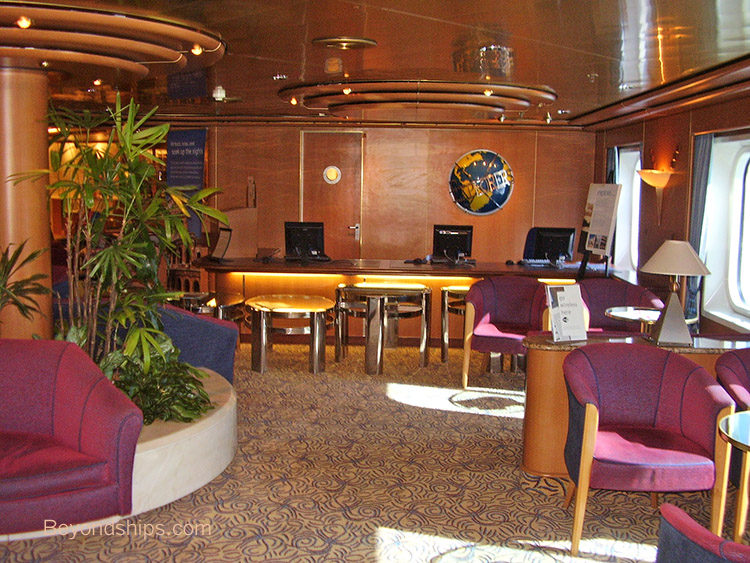 Cruises From Southampton >> Oceana - P&O Cruises - Photo Tour and Commentary