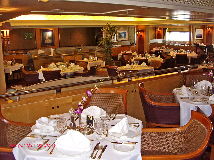 QE2 - Photo Tour and Coomentary - Dining