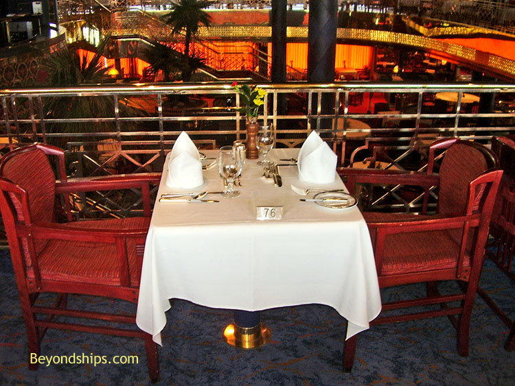 Rotterdam Photo Tour And Commentary Page - Table for two restaurant