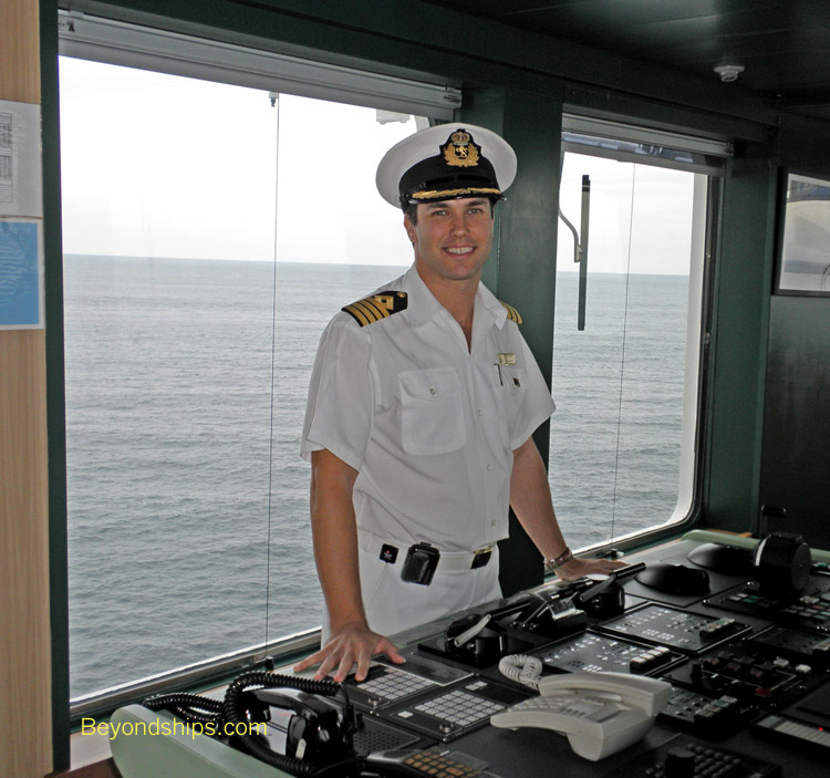 Queen Mary Interview With Staff Captain Robert Camby - How to be a cruise ship captain