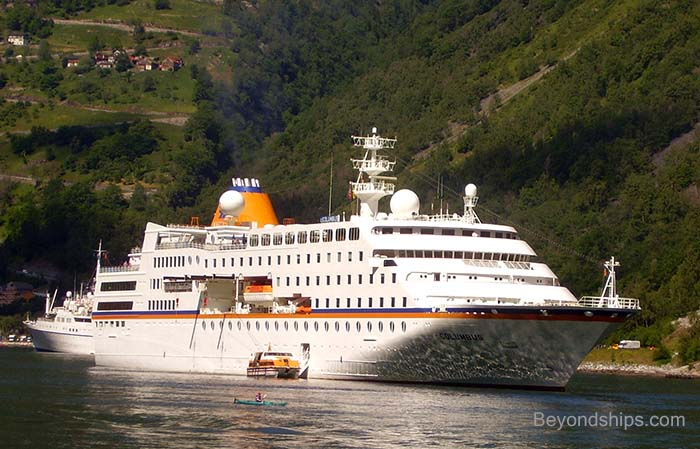 Small cruise ship photo gallery for Top small cruise lines