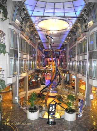 Cruise ship Explorer of the Seas Royal Promenade