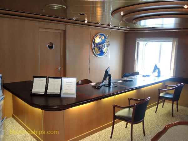 Cruise ship Sea Princess, shore excursions desk