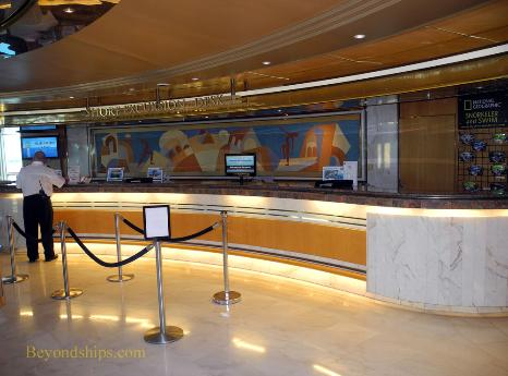 Grandeur of the Seas, shore excursions desk