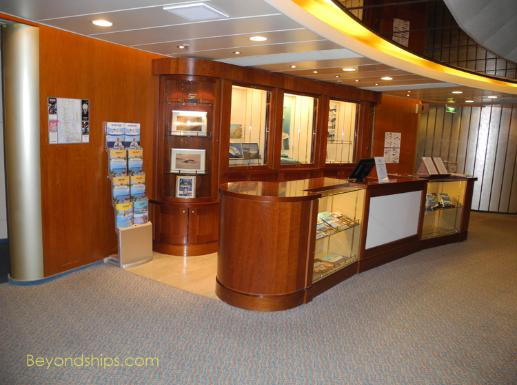 Artania cruise ship (kreuzschiffe), shore excursions desk