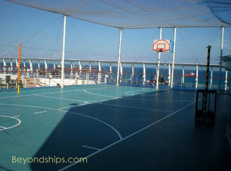 Norwegian Sky basketball