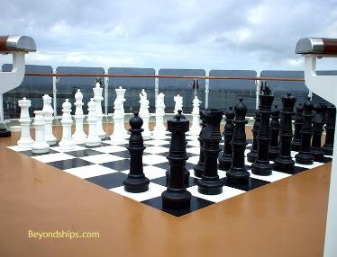 Cruise ship photo - Cunard cruise liner Queen Victoria - chess