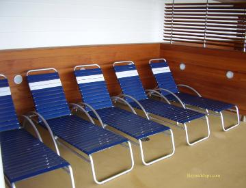 Oasis of the Seas pool deck chairs