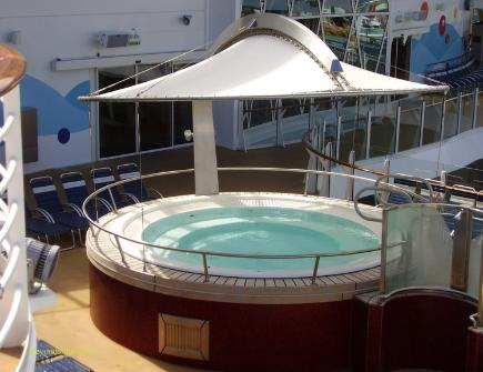 Oasis of the Seas pools hot tub