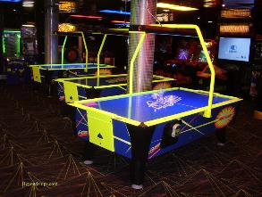 Oasis of the Seas video arcade