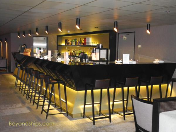 Artania cruise ship (kreuzschiffe), Bodego Bar