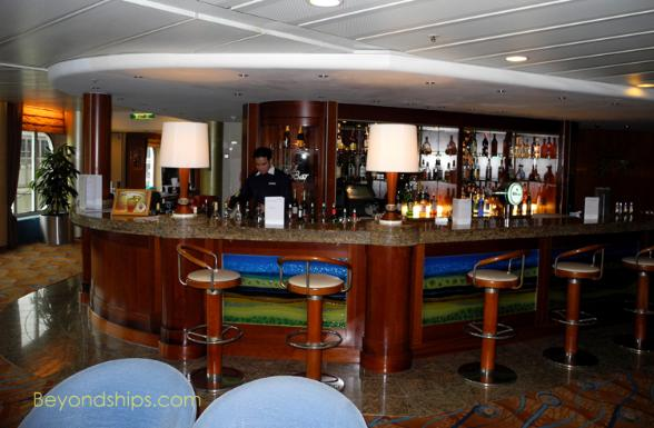 Artania cruise ship (kreuzschiffe), Harry's Bar