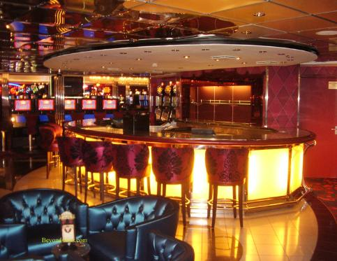 Oasis of the Seas casino bar