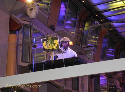 Liberty Cruise Ship >> Liberty of the Seas Photo Tour and Commentary Entertainment