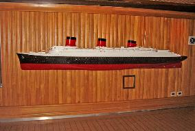 Normandie model Cruise ship Carnival Splendor