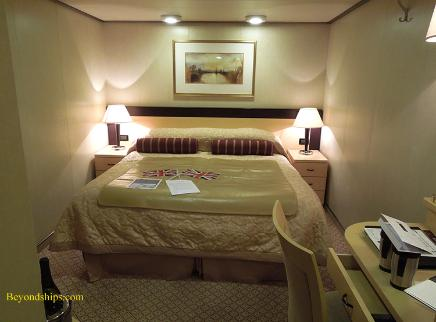 Cruise ship photo - Cunard Line - Queen Victoria - inside stateroom