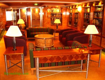 Norwegian Dawn cruise ship interior