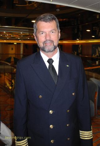 Artania cruise ship (kreuzschiffe),captain