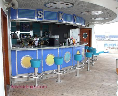 Explorer of the Seas, cruise ship, bar
