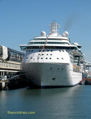 Photo of cruise ship Jewel of the Seas Royal Caribbean
