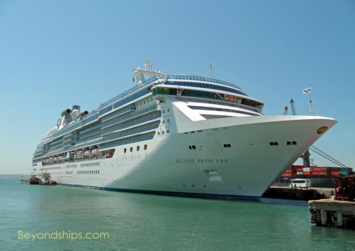 Photo of cruise ship - Island Princess of Princess Cruises
