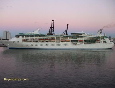 Photo of cruise ship Enchantment of the Seas Royal Caribbean