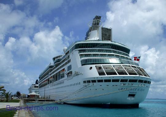 Photo of cruise ship Grandeur of the Seas Royal Caribbean